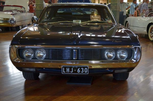 1972 Chrysler Hardtop front