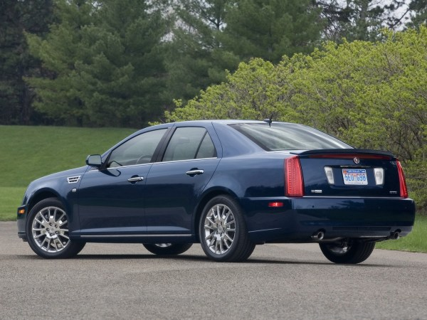 2008-Cadillac-STS-Rear-And-Side-1920x1440