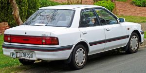 800px-1991-1994_Mazda_323_(BG_Series_2)_sedan_01