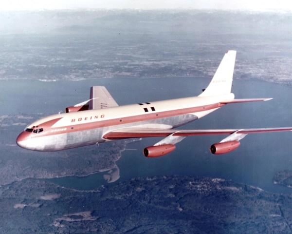 Boeing 367-80 b