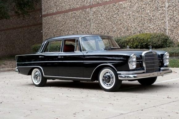 Mercedes 1960 220S W111