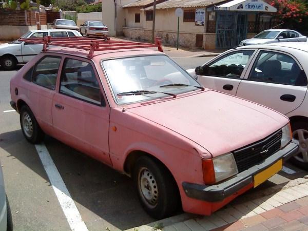 Opel Kadett C pink