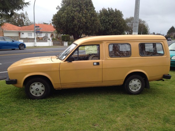 1980 MORRIS Marina can orange l