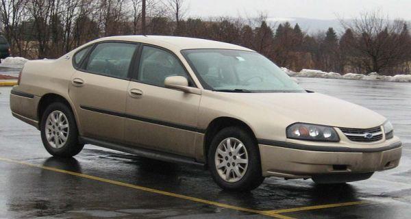 800px-00-05_Chevrolet_Impala_LS