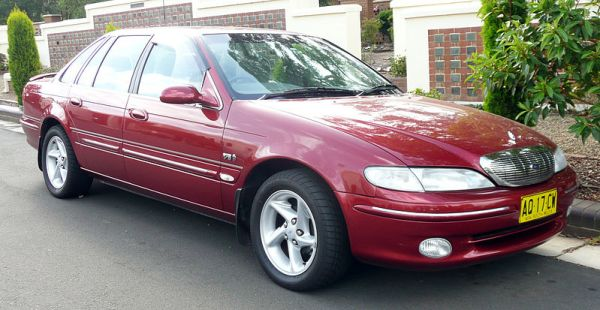 800px-1996-1998_Ford_NL_Fairlane_Ghia_sedan_04