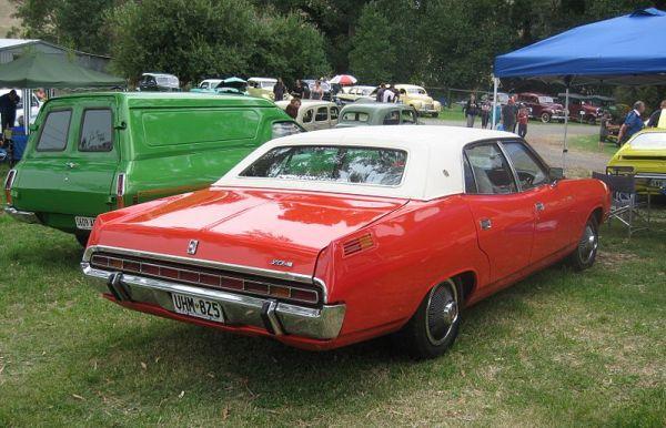 800px-Ford_P5_LTD_(rear)