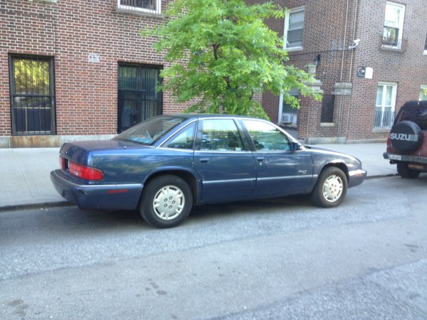 Buick Regal GM-10 (1)
