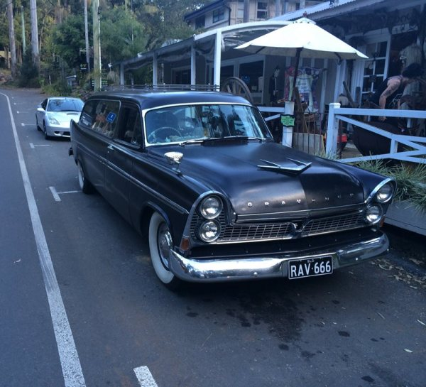 Chrysler AUS Royal hearse fr 800