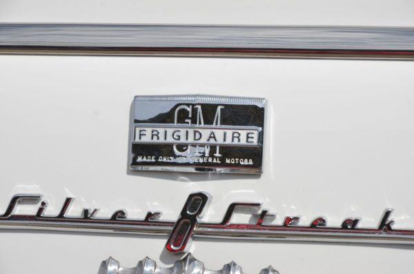 Frigidaire badge