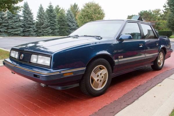 Pontiac 1991 6000 STE