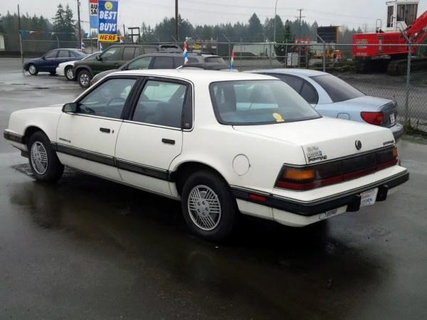 Pontiac 1991 6000 rq