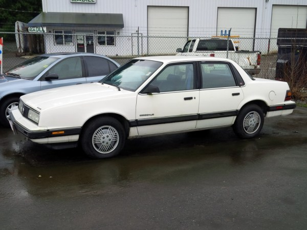 Pontiac 1991 6000 side