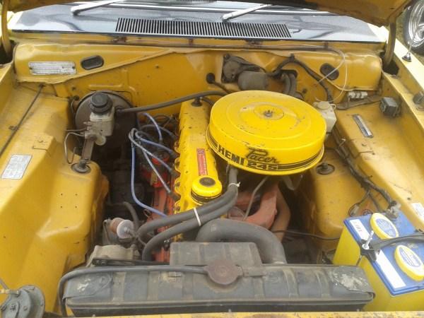 VG Pacer Hemi 245 engine