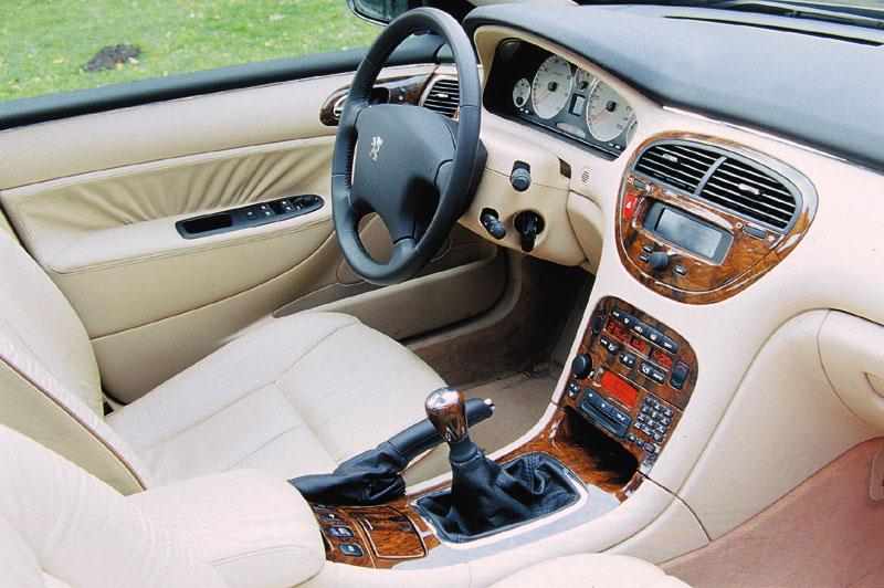 Curbside classic 1999 2010 peugeot 607 le bateau magnifique for Interieur 607