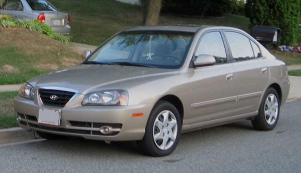 04-06_Hyundai_Elantra_GLS_sedan