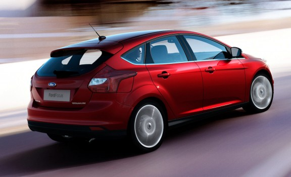 2012_ford_focus_06_cd_gallery