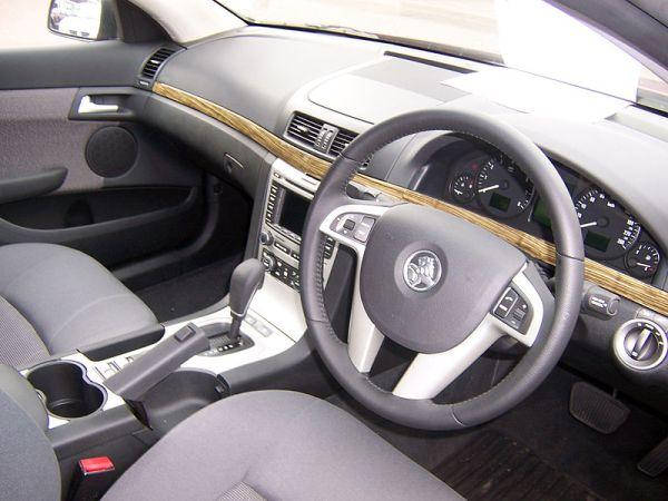 800px-Holden_VE_Berlina_interior_01