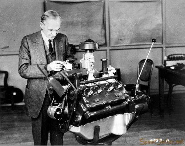 Ford 1932 V8 02-900x712