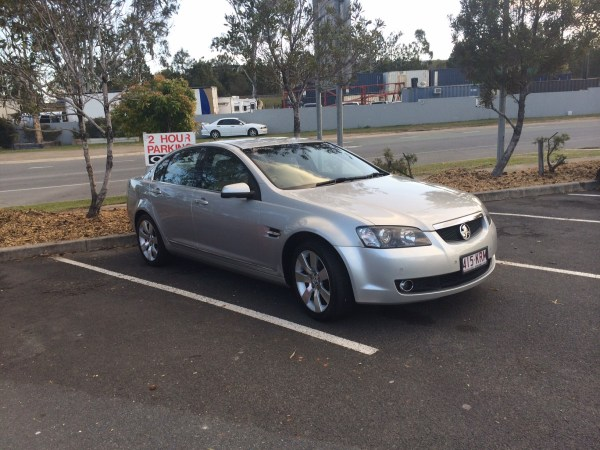 Holden VE Calais (16)