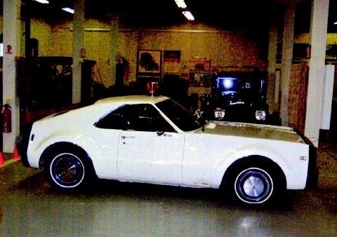 Oldsmobile Mini_Toronado_im_R_E_Olds_Museum