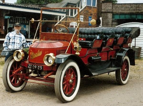 Stanley 1913 bus