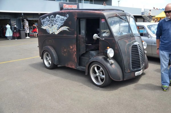 Custom Morris J-type van