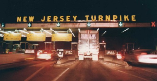 New_Jersey_Turnpike_Exit_11_Tollbooth_at_night,_1992