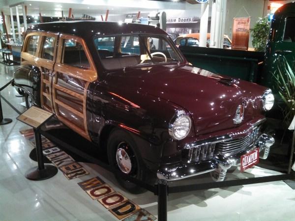 1947StudebakerWoody01