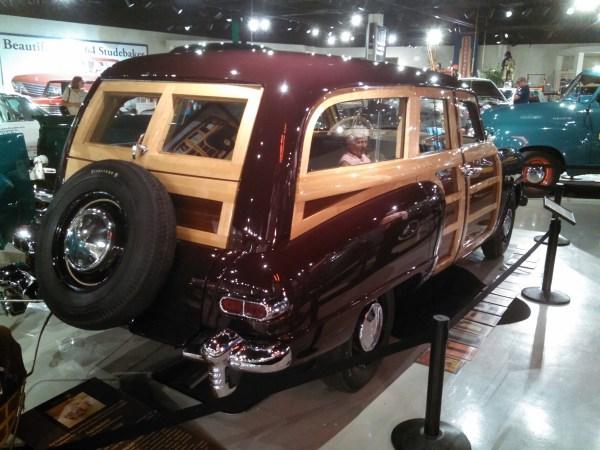 1947StudebakerWoody02