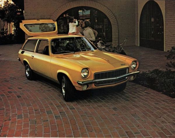 1972 Chevrolet Wagons-18