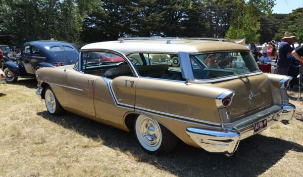 1957 Oldsmobile Fiesta pillarless wagon