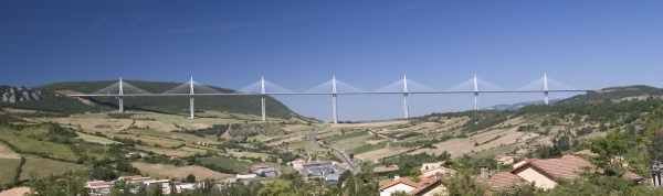 millau_viaduct_from_e11_sud