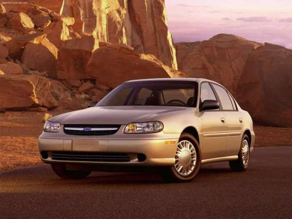 Chevrolet-Malibu_2000_800x600_wallpaper_01