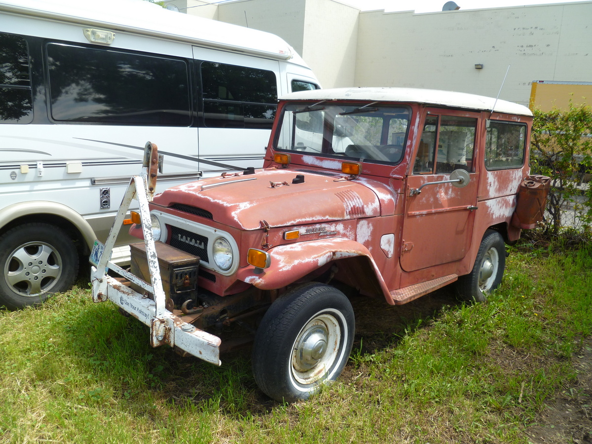 For me remember that ugly torn wheel well from the before pictures - Here Is Something A Lot Smaller An Early 40 Series Toyota Land Cruiser With Tow Bar And Jerry Cans For Extra Fuel These Are Still Somewhat Plentiful