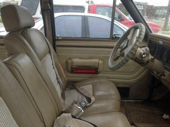 1990 Jeep Grand Wagoneer f