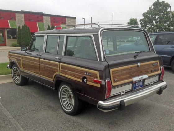 1990 Jeep Grand Wagoneer g