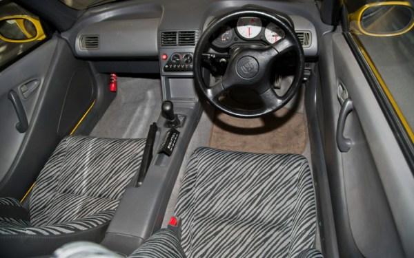 1991-Honda-Beat-interior-zebra-seats