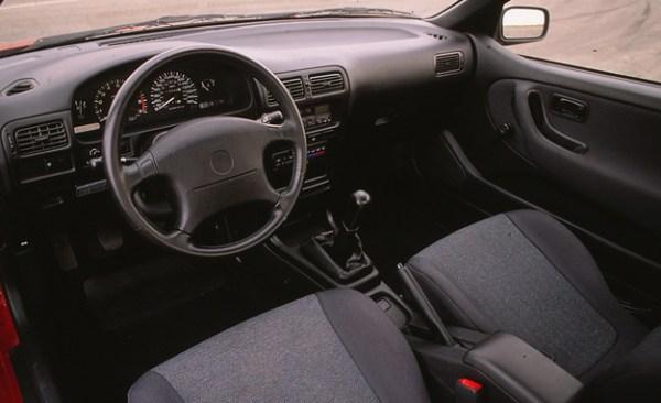 1991NissanNX2000 interior