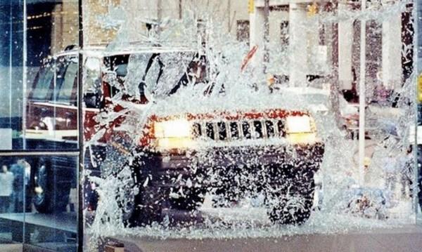 1992_NAIAS_Jeep_Grand_Cherokee_Glass