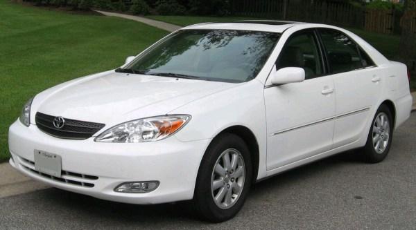 2002-2004_Toyota_Camry_2