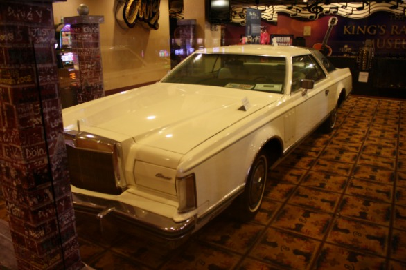 095 - Elvis's Last New Car Purchase 1977 Lincoln Continental Mark V CC