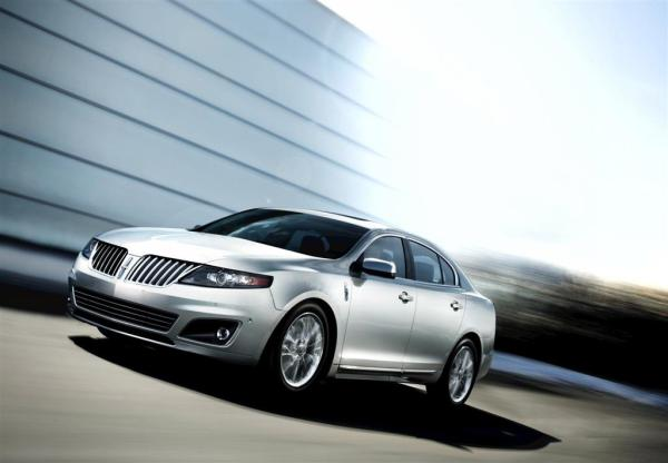 2011-Lincoln-MKS_Sedan-Image-001-1024