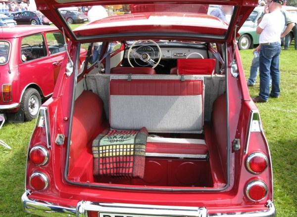 Saab_95_rear_seat