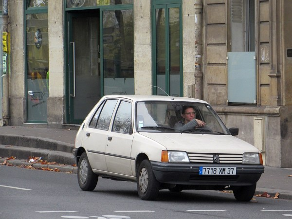 1983-98 Peugeot 205 Notre Dame 20151107