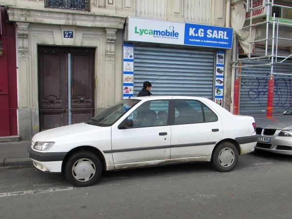 1993-97 Peugeot 306 sedan Gare d L'Est 20151111