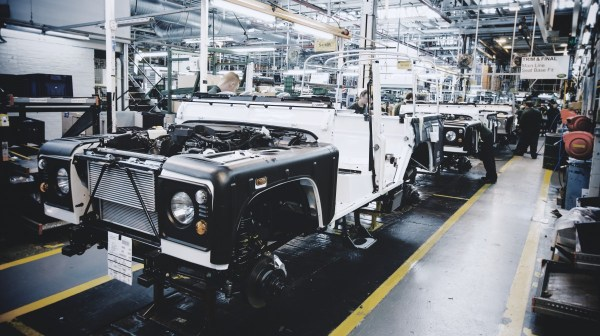 land-rover-defender-assembly