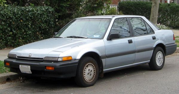 1024px-1986-1989_Honda_Accord_sedan_--_03-16-2012