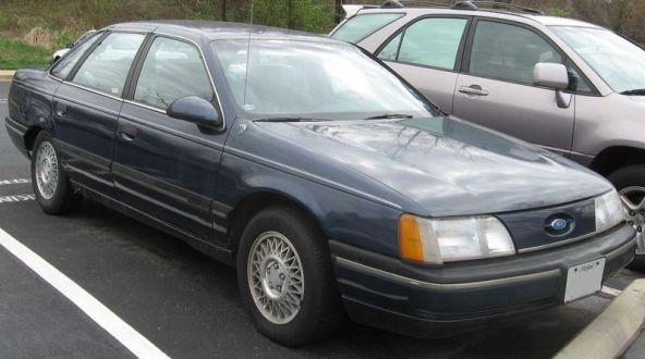 800px-1st_Ford_Taurus_GL_sedan
