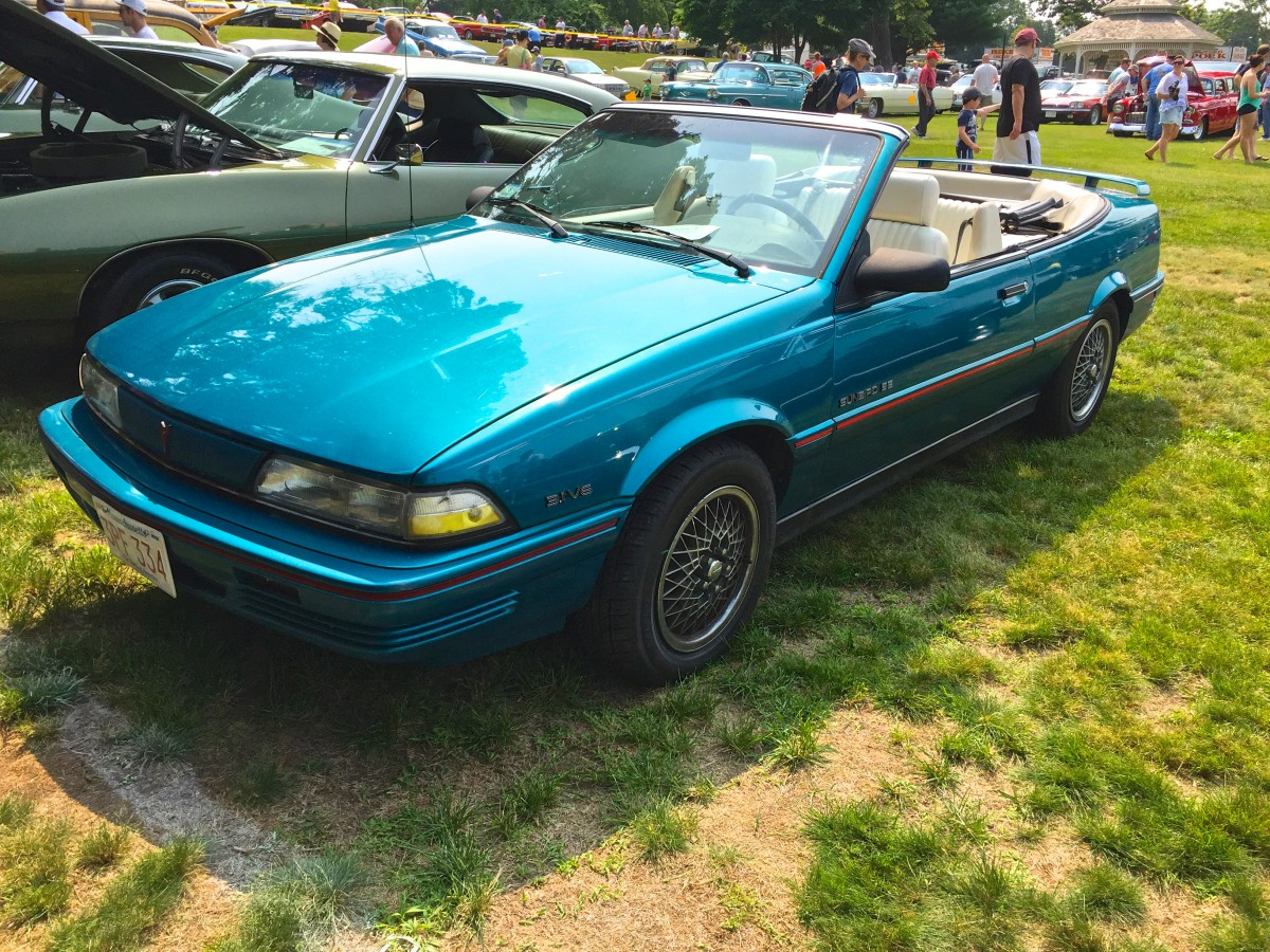 Car show classic 1992 pontiac sunbird se convertible the most appealing j car