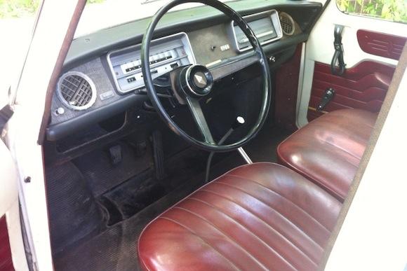 Renault R8 Sedan_For_Sale_Interior